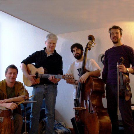 http://robertfalk.com/wp-content/uploads/2015/11/OrchestreToubabJanvier2013_Square-carre.jpg